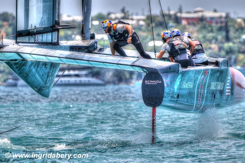 Emirates Team New Zealand dominate ORACLE TEAM USA on day 1 of the 35th America