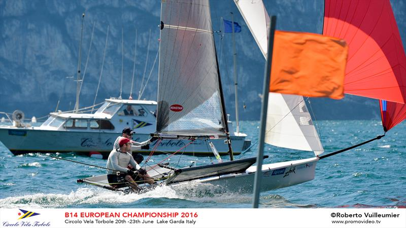 B14 European Championships day 2 - photo © Roberto Vuilleumier