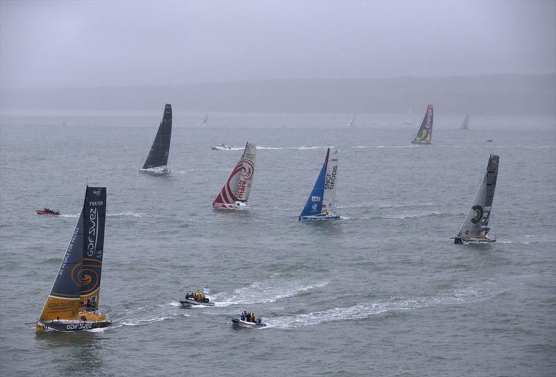 light winds start to the 2013 transat jacques vabre