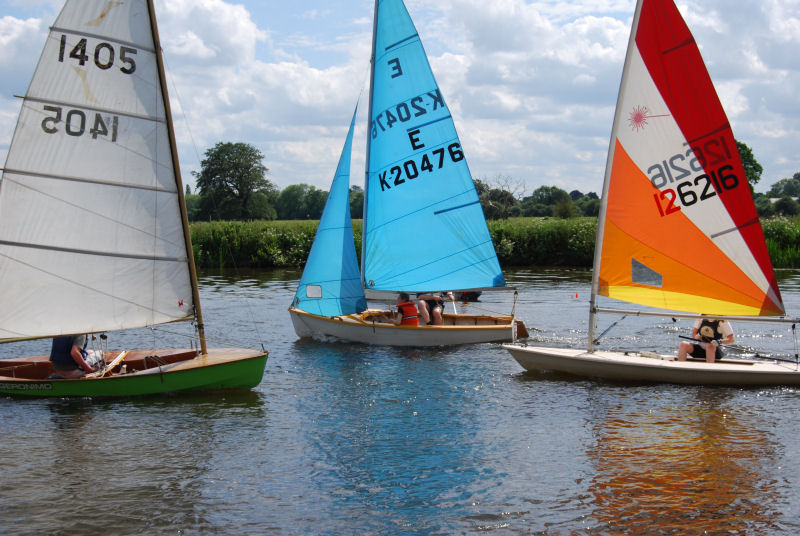 Brilliant sunshine and perfect winds for the Henley Sailing Club Open Day