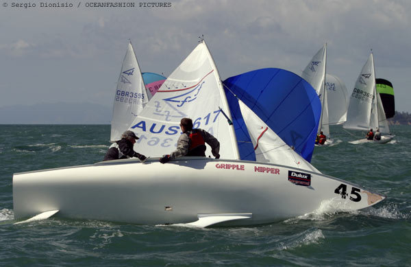 action from the dulux aquanamel flying fifteen world