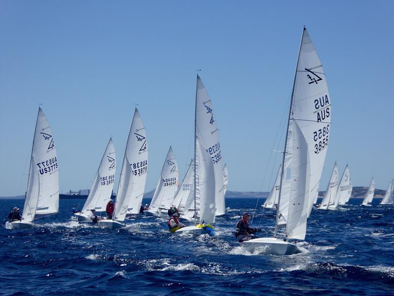 Rounding the top mark on the final day of the Australian Flying Fifteen Championship - photo © Jonny Fullerton