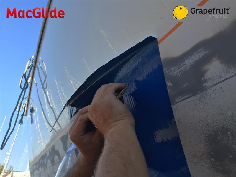 The MacGlide application process - photo © Grapefruit Graphics