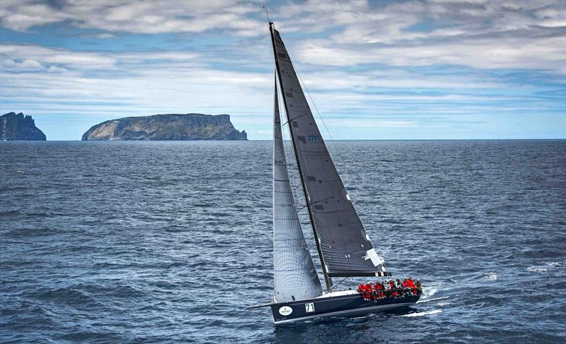 Balance on the way to winning the Rolex Sydney Hobart Yacht Race in 2015 - photo © Rolex / Kurt Arrigo