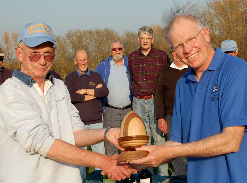 Roger Stollery wins the Acorn Trophy for the M&amp;S District Marblehead Ranking event at Guildford