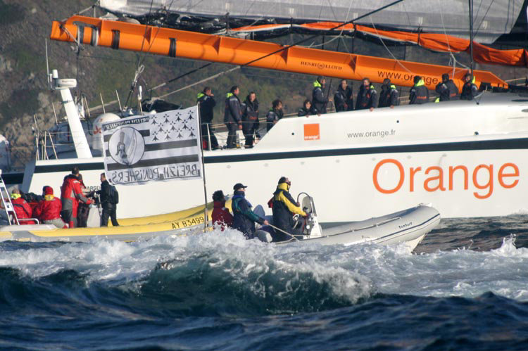 Orange II sets a new round the world record of 50 days, 16 hours, 20 minutes &amp; 4 seconds