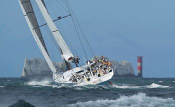 'Leopard' approaching the needles in the J.P. Morgan Asset Management Round the Island Race
