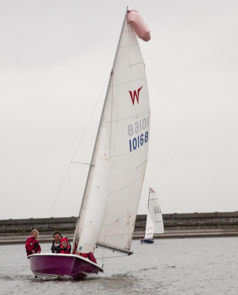 Blithfield Sailing Club awarded RYA OnBoard status ...