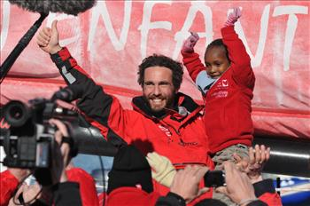 Tanguy de Lamotte finishes the Vendée Globe 2012-2013