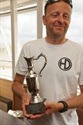 Steve Ede wins the Mighty Oak Solo Trophy at Leigh-on-Sea