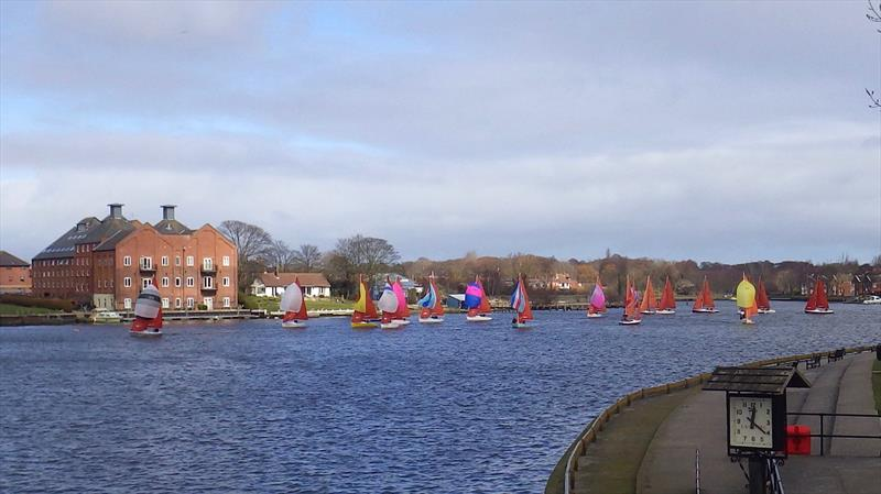 Squibs at Oulton Broad - photo © Ben Falat