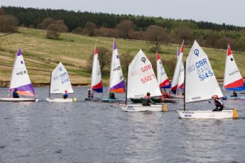 Racing during the Derbyshire Youth Sailing event at Errwood