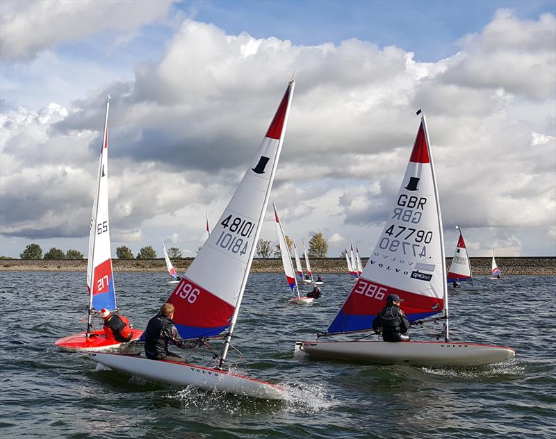 Felix Mcmullan and Ben Paling making good headway during the Topper Midlands Traveller Draycote - photo © Midlands Topper Fleet