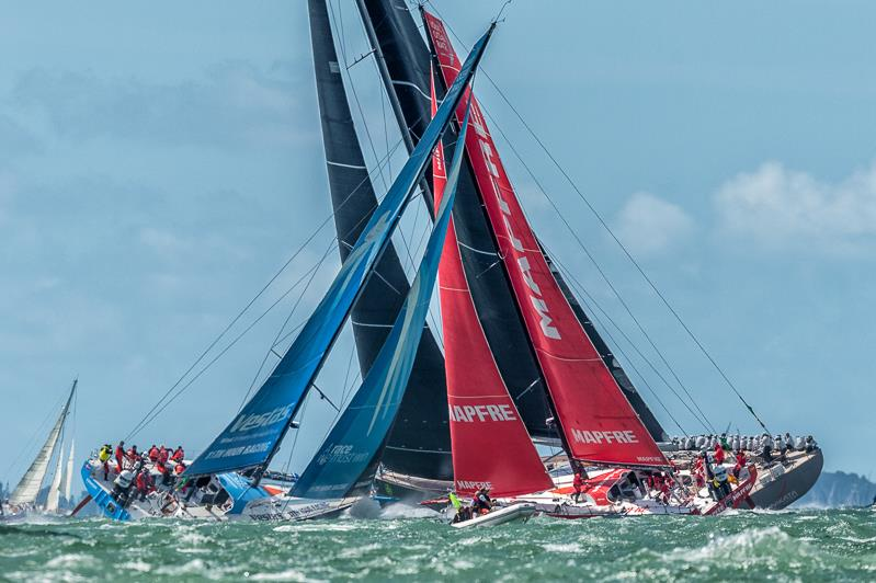 Rolex Fastnet Race start - photo © Sam Kurtul / www.worldofthelens.co.uk