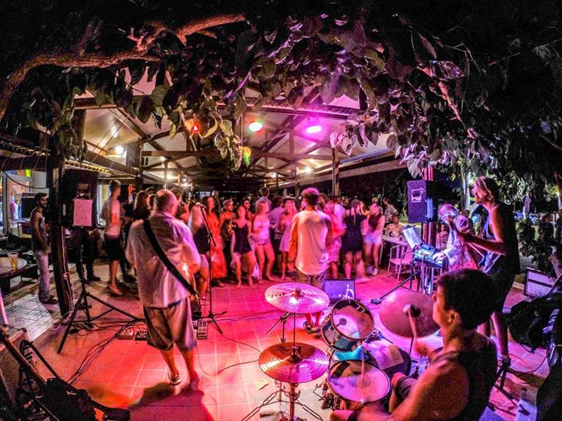 The band in full swing at Wildwind Vassiliki - photo © Ben Webb