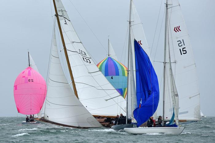 8-metre Helen carves her way through the Daring Fleet at Charles Stanley Direct Cowes Classics Week - photo © Rick Tomlinson / www.rick-tomlinson.com