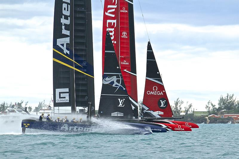 Artemis Racing and Emirates Team NZ start - Challenger Finals, Day 15 - 35th America's Cup - Bermuda June 11, 2017 photo copyright Richard Gladwell taken at  and featuring the AC50 class