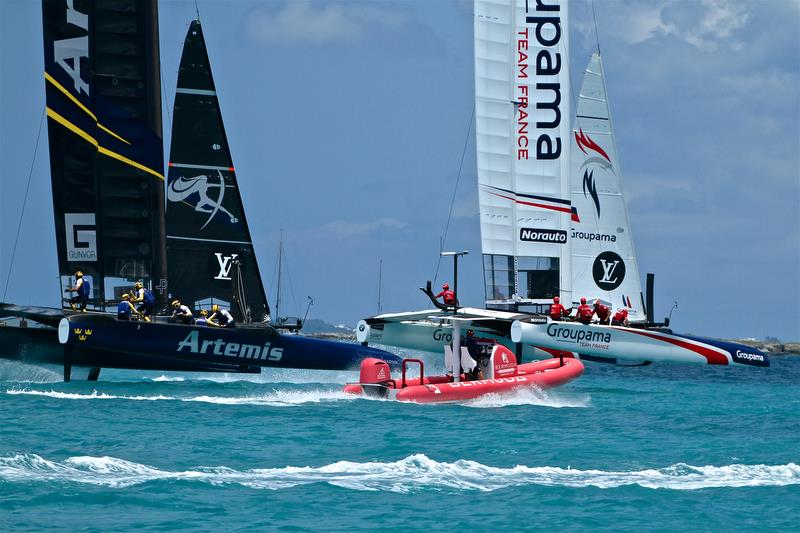 Groupama Team France scored an upset win over Artemis Racing on Day 2 of the Louis Vuitton Trophy photo copyright Richard Gladwell taken at Royal Bermuda Yacht Club and featuring the AC50 class