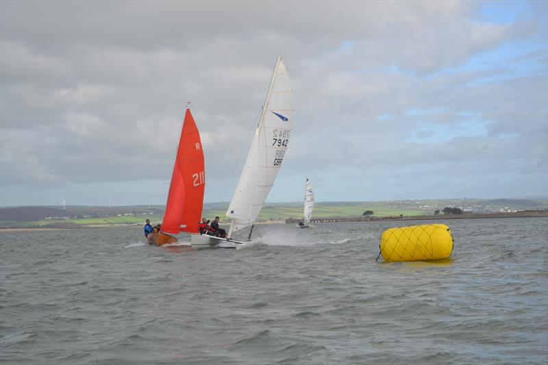 Winners Frazer Manning & David Grant power past a Redwing at the gybe mark during the Gul Wrecker at North Deveon Yacht Club - photo © Simon Fleet