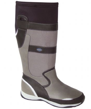 15afea08435c See the Dubarry range on stand N040A at the Collins Stewart London Boat  Show © Dubarry