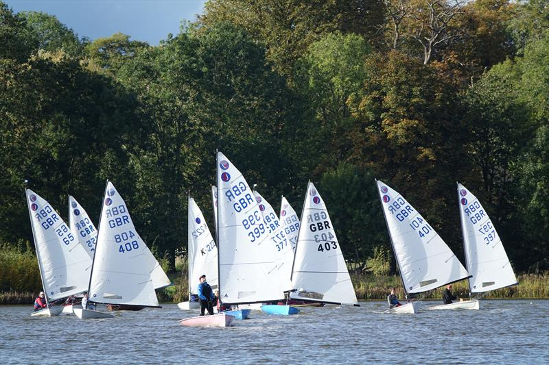 Steve Cockerill (399) with the fleet in close pursuit during the Europe Inlands at Haversham - photo © Sue Johnson