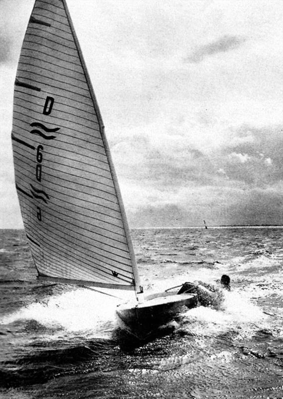 Paul Elvström sailing his Finn