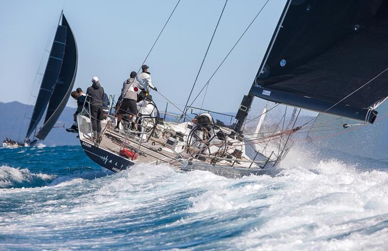 Alive powering into the Whitsunday Passage - photo © Crosbie Lorimer - Bow Caddy Media