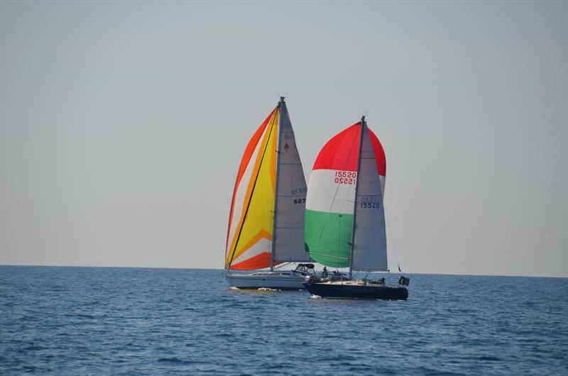 Off-the-breeze action at the Lake Michigan Singlehanded Society's Q Race - photo © Image courtesy of Lake Michigan Singlehanded Society/Phil Bush