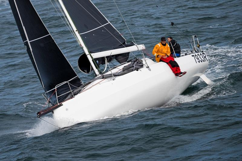 Bomby and Diamond - Sun Fast 3300 from Jeanneau - photo © Carlo Borlenghi