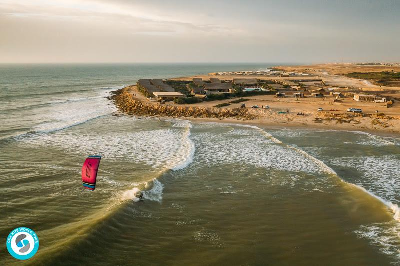 From bed to beach. Reeling and peeling out front of Westpoint - GKA Kite World Cup Dakhla, Day 7 - photo © Ydwer van der Heide