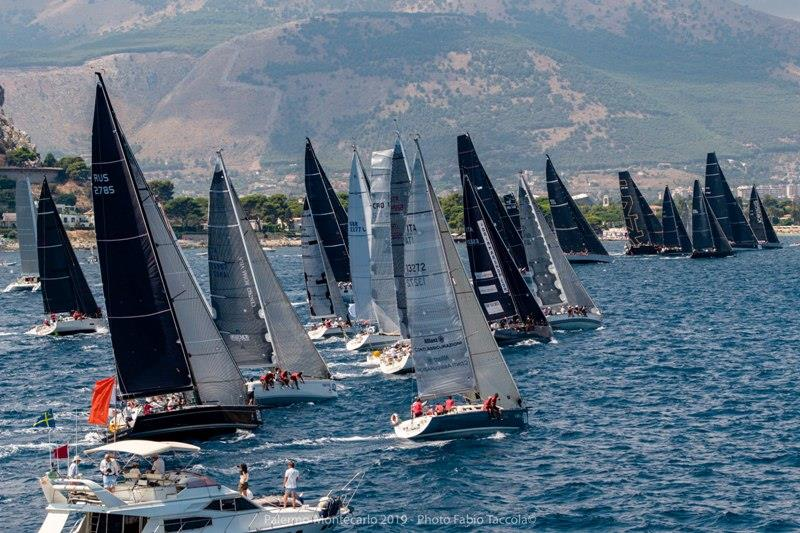 Vera leads away on a challenging Palermo-Montecarlo Race