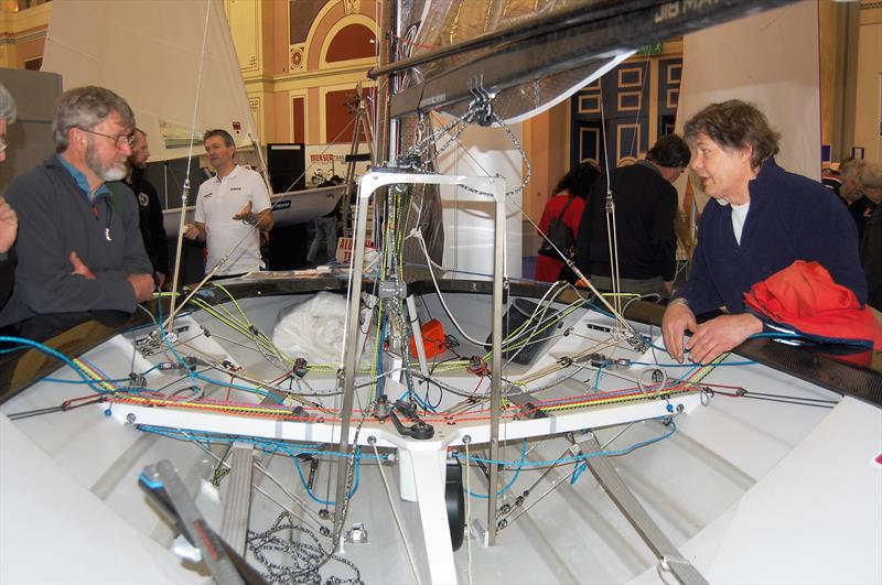 Jon Turner (starboard hand side) explaining the virtues of the true one string system to none other than Mike McNamara. At the heart of the system is the 'big wheel of love' which can just be seen at the rear of the plate case - photo © Henshall