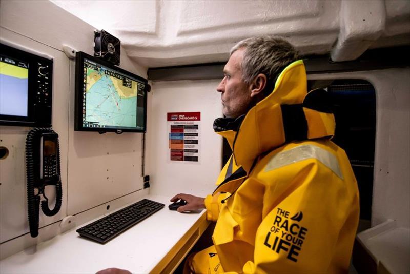 Leading marine software brand navigates renewes partnership with global sailing race