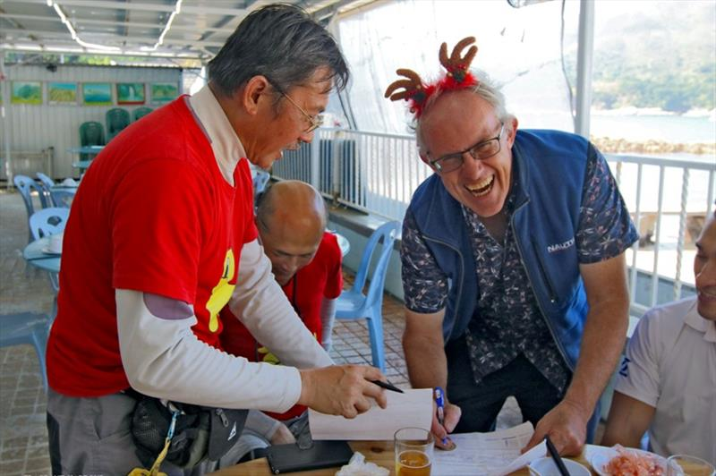 Fuzzy Duck raises a laugh from Ichiban - Boxing Day Treasure Hunt 2019 - photo © Hebe Jebes