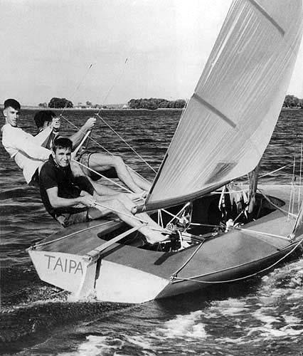 Bob Miller (Ben Lexen)'s Taipan photo copyright Carl Ryves taken at  and featuring the 18ft Skiff class