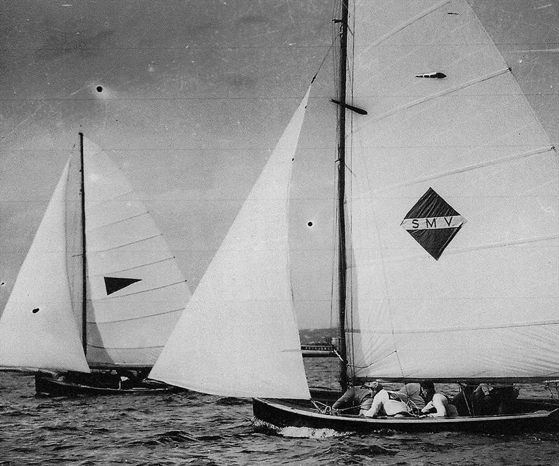 New Zealand's Mah Jong (Laurie Davidson) and SMV (Bill Barnett) at the 1958 Giltinan Championship - photo © Frank Quealey